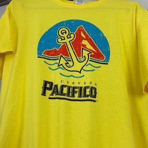 Fruit of the Loom Shirts - Cerveza Pacifico shirt thats in pristine condition